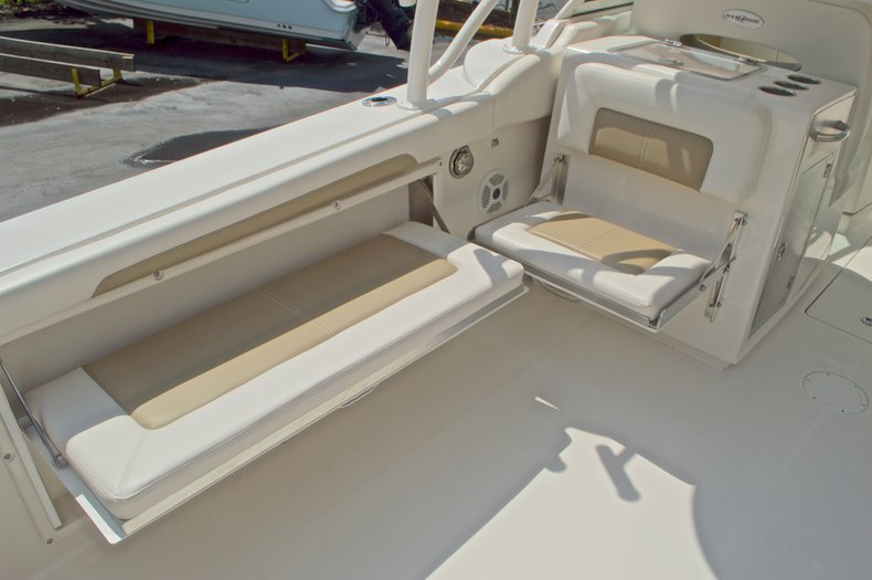 Thumbnail 28 for New 2017 Sailfish 325 Dual Console boat for sale in West Palm Beach, FL
