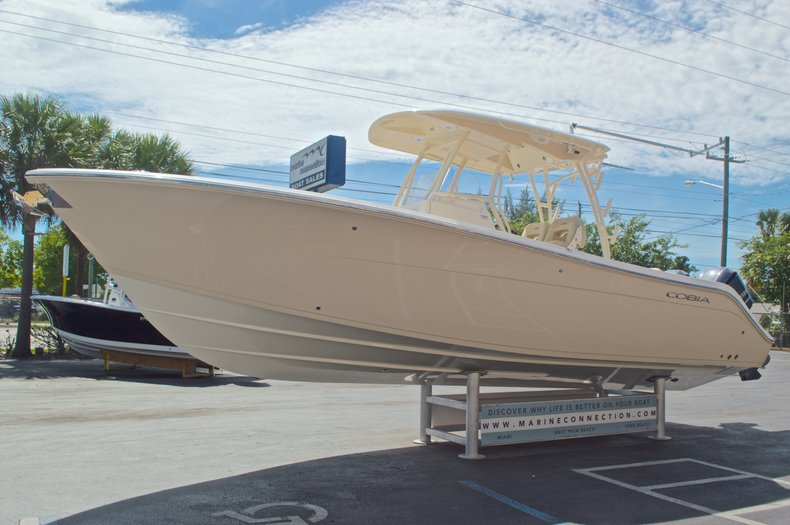 Thumbnail 5 for New 2016 Cobia 296 Center Console boat for sale in West Palm Beach, FL