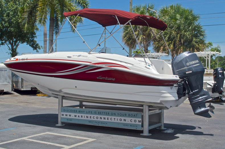Thumbnail 6 for Used 2014 Hurricane SunDeck Sport SS 220 OB boat for sale in West Palm Beach, FL