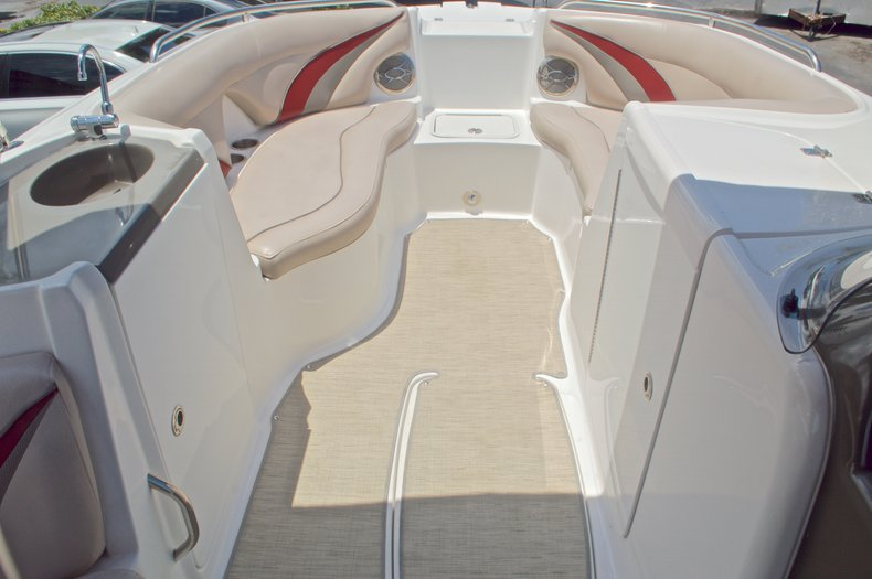 Thumbnail 19 for Used 2014 Hurricane SunDeck Sport SS 220 OB boat for sale in West Palm Beach, FL