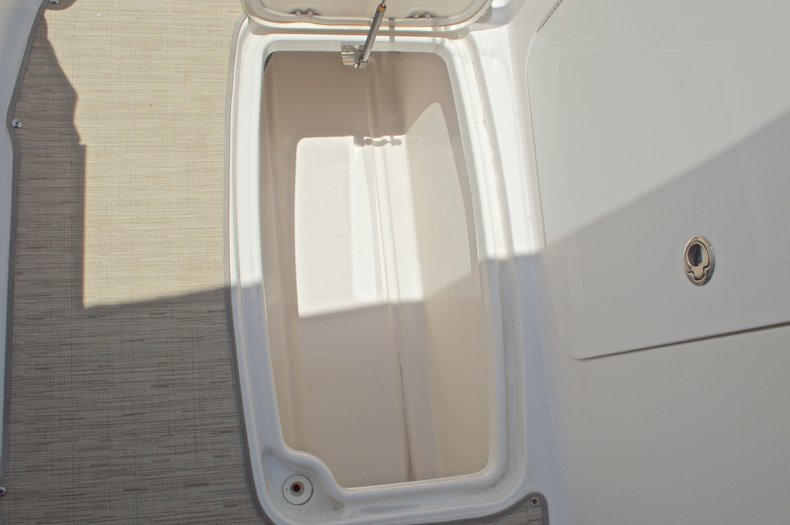 Thumbnail 21 for Used 2014 Hurricane SunDeck Sport SS 220 OB boat for sale in West Palm Beach, FL