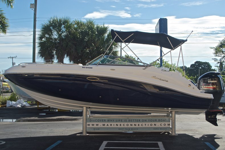 Thumbnail 4 for New 2016 Hurricane SunDeck SD 2486 OB boat for sale in West Palm Beach, FL