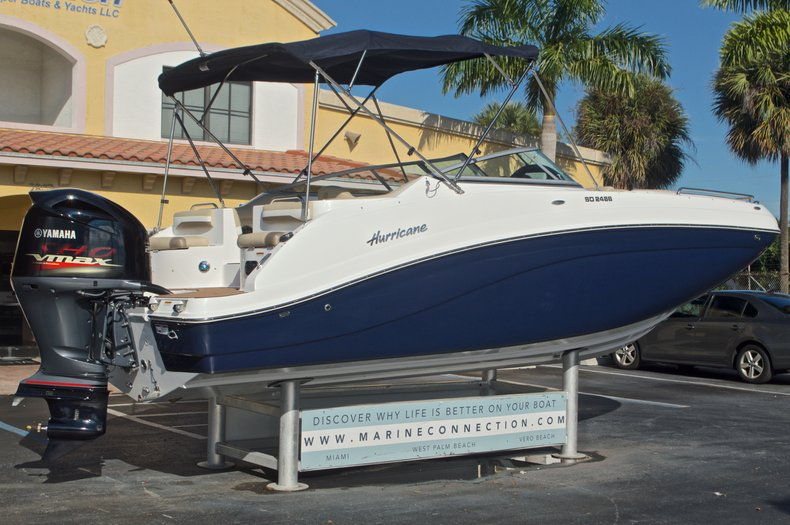 Thumbnail 7 for New 2016 Hurricane SunDeck SD 2486 OB boat for sale in West Palm Beach, FL