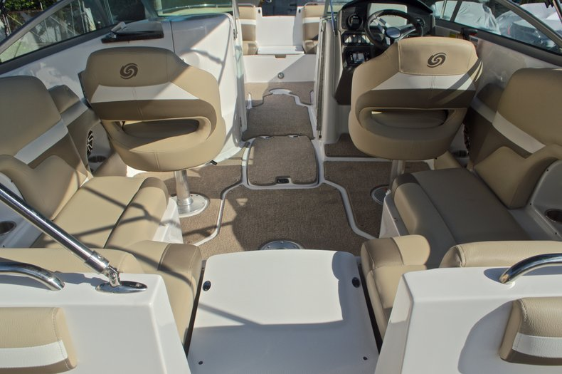 Thumbnail 21 for New 2016 Hurricane SunDeck SD 2486 OB boat for sale in West Palm Beach, FL