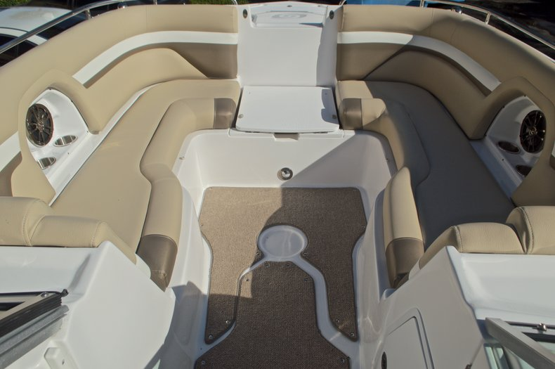 Thumbnail 56 for New 2016 Hurricane SunDeck SD 2486 OB boat for sale in West Palm Beach, FL