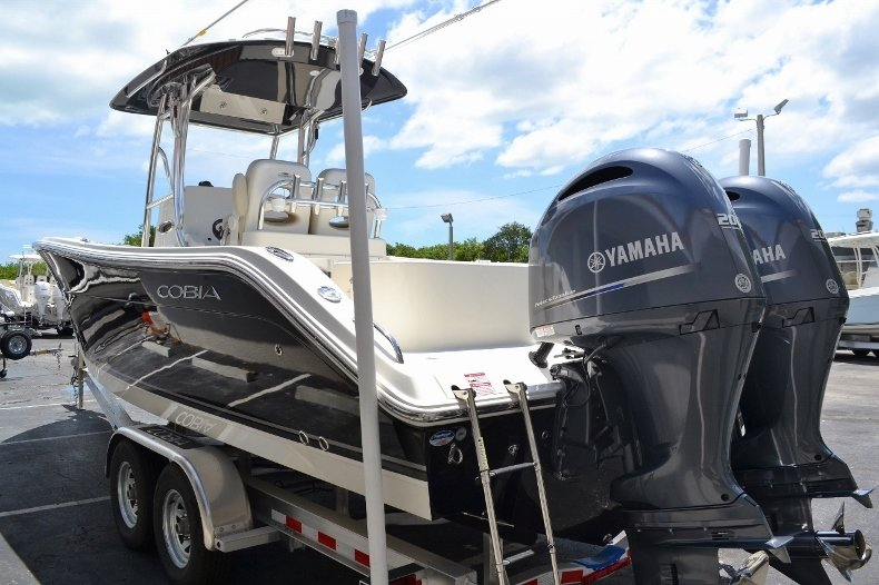 Thumbnail 4 for New 2016 Cobia 277 Center Console boat for sale in West Palm Beach, FL