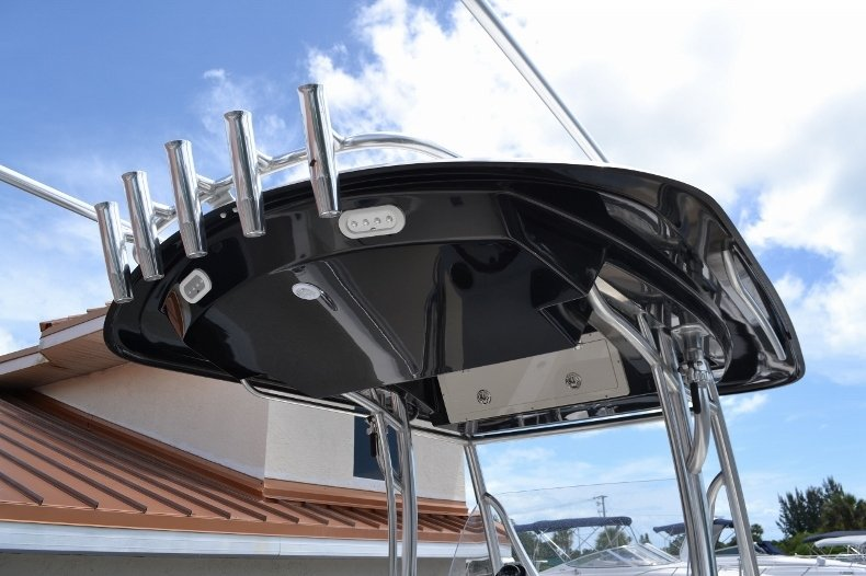 Thumbnail 26 for New 2016 Cobia 277 Center Console boat for sale in West Palm Beach, FL