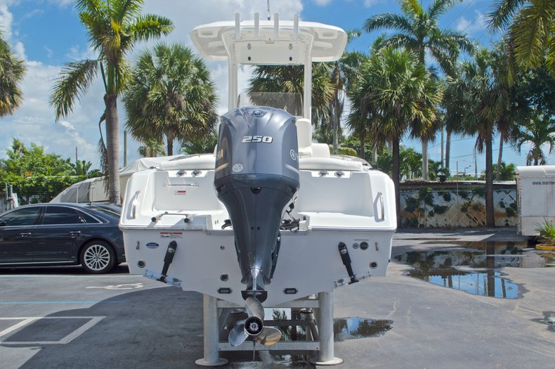 Thumbnail 6 for Used 2015 Sea Hunt 235 SE Center Console boat for sale in West Palm Beach, FL