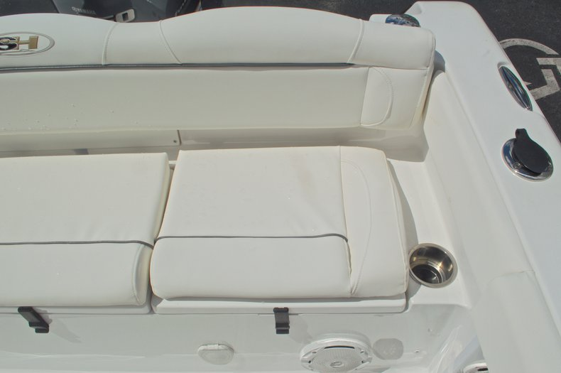 Thumbnail 21 for Used 2015 Sea Hunt 235 SE Center Console boat for sale in West Palm Beach, FL