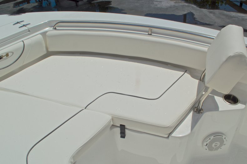 Thumbnail 55 for Used 2015 Sea Hunt 235 SE Center Console boat for sale in West Palm Beach, FL