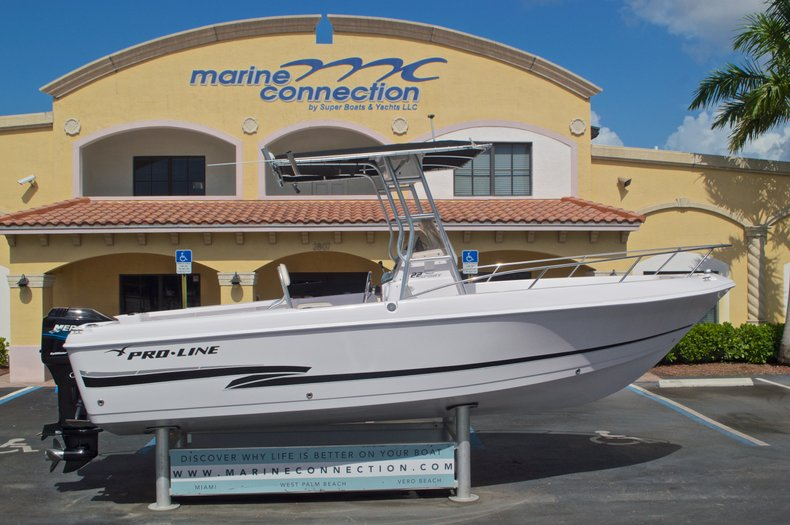 Used 2002 Pro-Line 22 Sport boat for sale in West Palm Beach, FL
