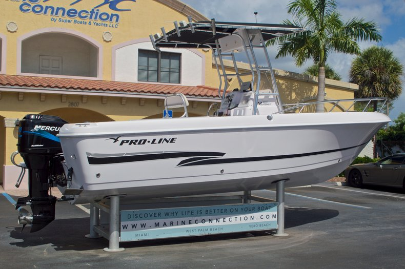 Thumbnail 12 for Used 2002 Pro-Line 22 Sport boat for sale in West Palm Beach, FL