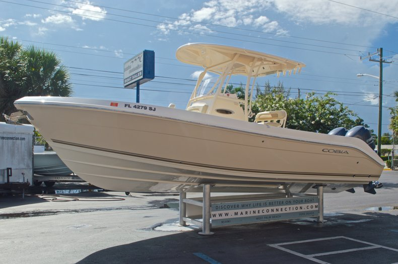 Thumbnail 6 for Used 2014 Cobia 256 Center Console boat for sale in West Palm Beach, FL