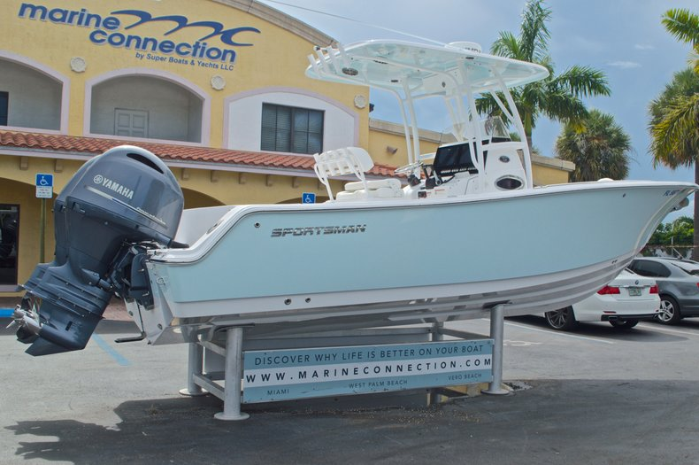 Thumbnail 9 for Used 2015 Sportsman Heritage 251 Center Console boat for sale in West Palm Beach, FL