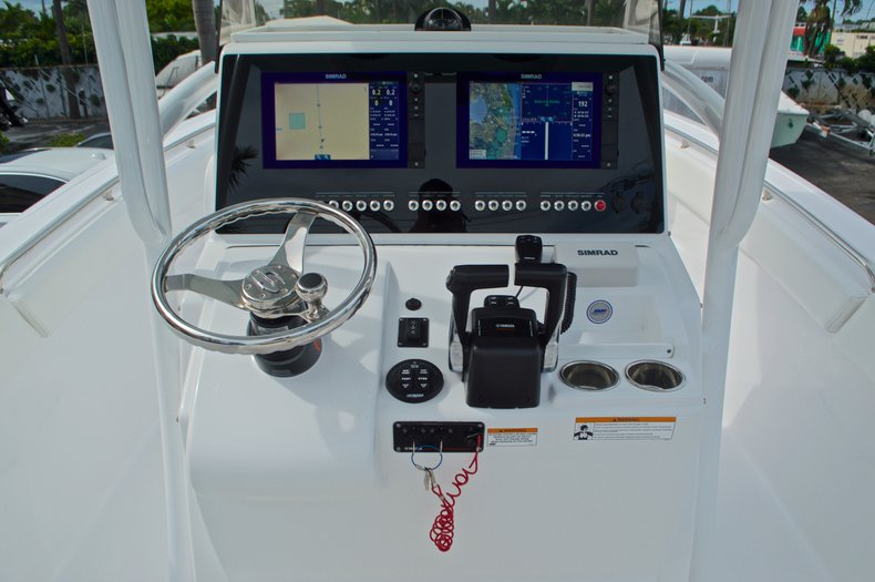 Thumbnail 35 for Used 2015 Sportsman Heritage 251 Center Console boat for sale in West Palm Beach, FL