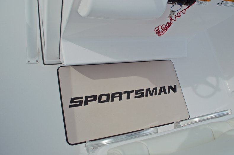 Thumbnail 45 for Used 2015 Sportsman Heritage 251 Center Console boat for sale in West Palm Beach, FL