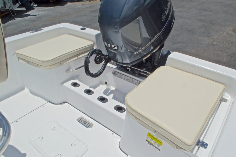Thumbnail 9 for New 2017 Sportsman 19 Island Reef boat for sale in West Palm Beach, FL