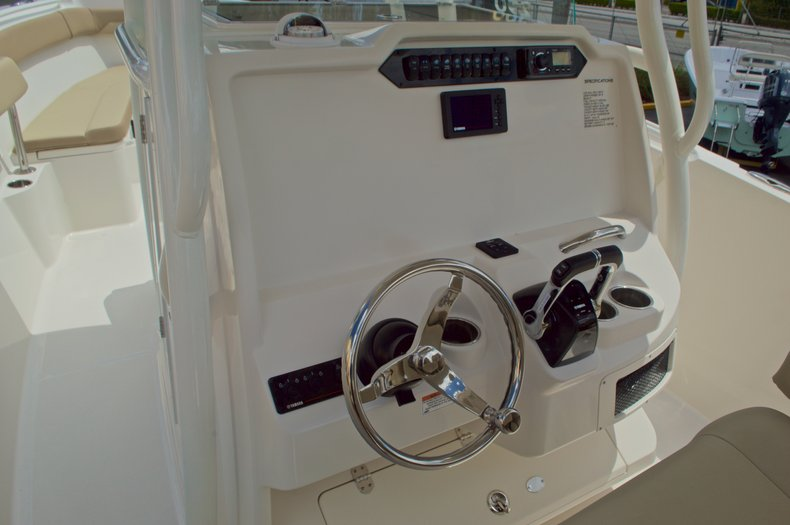 Thumbnail 33 for New 2017 Sailfish 290 CC Center Console boat for sale in West Palm Beach, FL