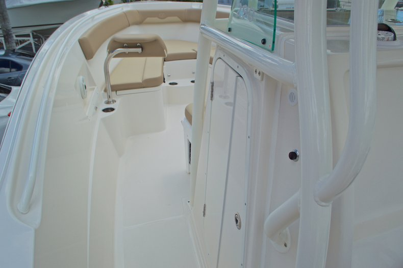 Thumbnail 43 for New 2017 Sailfish 290 CC Center Console boat for sale in West Palm Beach, FL