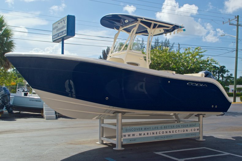 Thumbnail 4 for New 2017 Cobia 220 Center Console boat for sale in West Palm Beach, FL