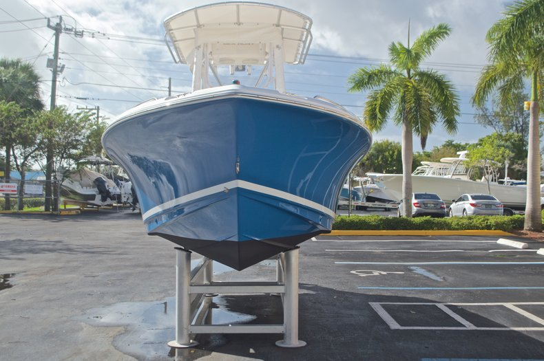 Thumbnail 2 for Used 2009 Sea Hunt 207 Triton boat for sale in West Palm Beach, FL