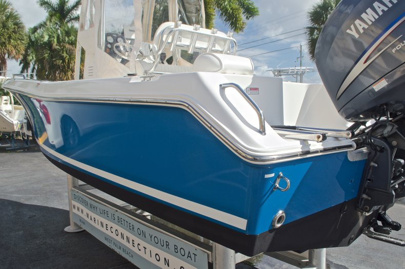 Thumbnail 8 for Used 2009 Sea Hunt 207 Triton boat for sale in West Palm Beach, FL