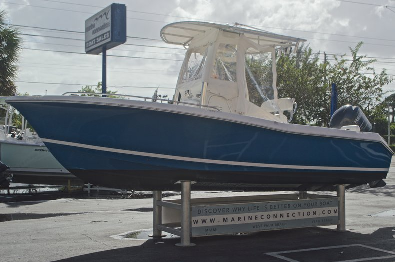 Thumbnail 4 for Used 2009 Sea Hunt 207 Triton boat for sale in West Palm Beach, FL