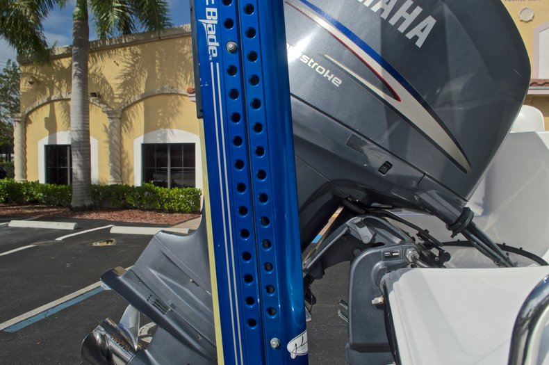 Thumbnail 14 for Used 2009 Sea Hunt 207 Triton boat for sale in West Palm Beach, FL