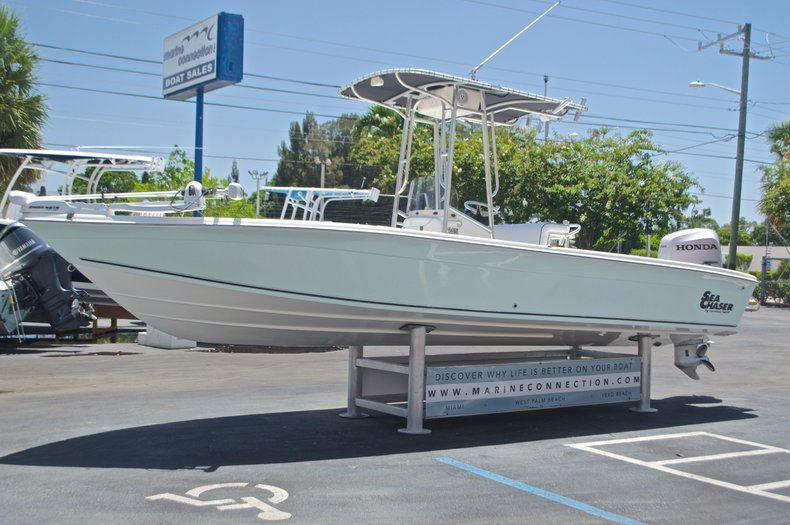 Thumbnail 3 for Used 2005 Sea Chaser 245 Bay Runner LX boat for sale in West Palm Beach, FL