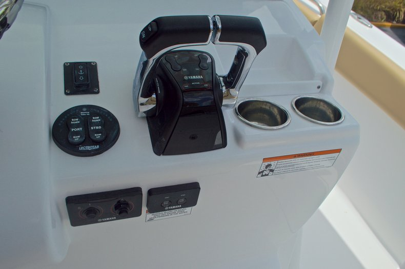 Thumbnail 47 for New 2017 Sportsman Open 282 Center Console boat for sale in West Palm Beach, FL