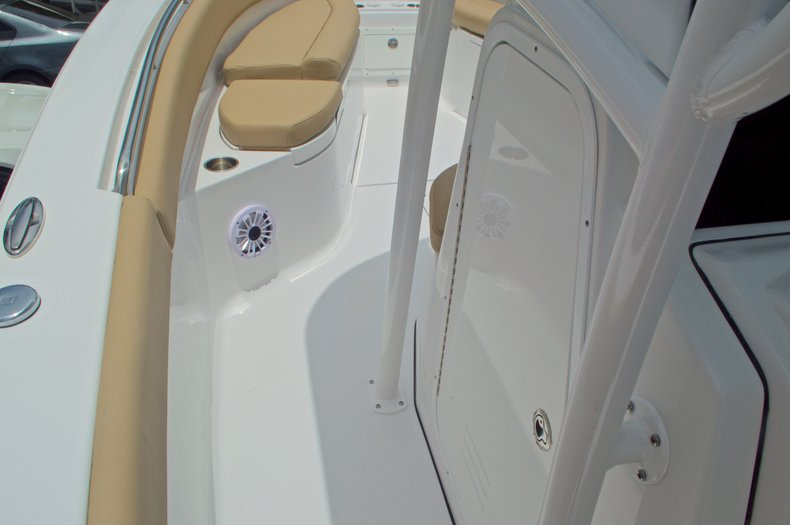 Thumbnail 48 for New 2017 Sportsman Open 282 Center Console boat for sale in West Palm Beach, FL
