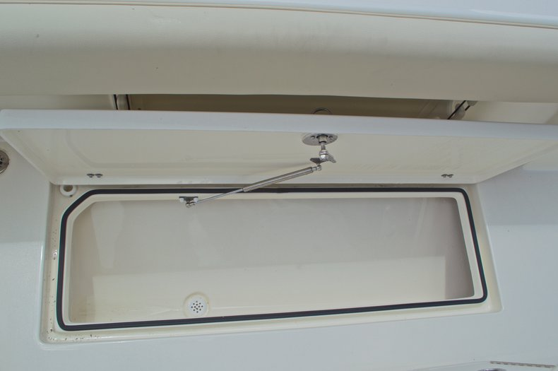 Thumbnail 24 for New 2017 Cobia 237 Center Console boat for sale in West Palm Beach, FL