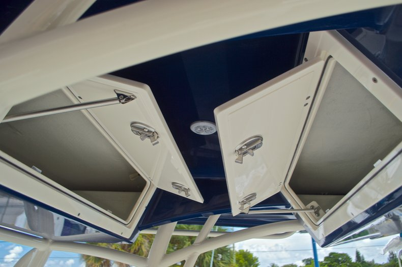 Thumbnail 32 for New 2017 Cobia 237 Center Console boat for sale in West Palm Beach, FL