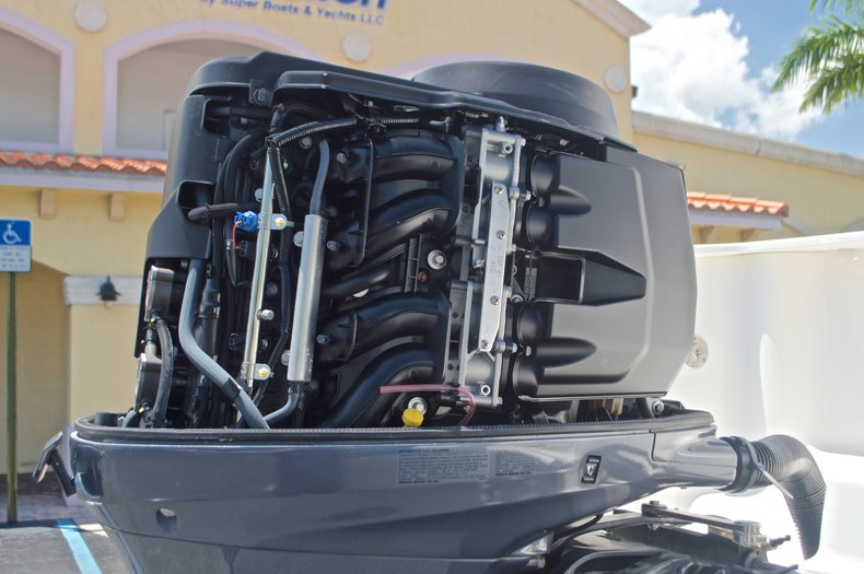 Thumbnail 12 for Used 2015 Sailfish 220 CC Center Console boat for sale in West Palm Beach, FL