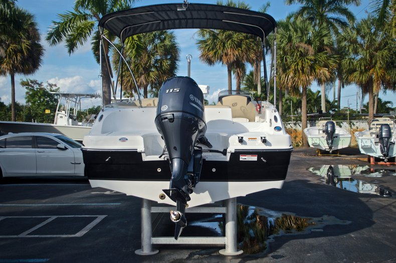 Thumbnail 6 for New 2017 Hurricane SunDeck Sport SS 188 OB boat for sale in West Palm Beach, FL