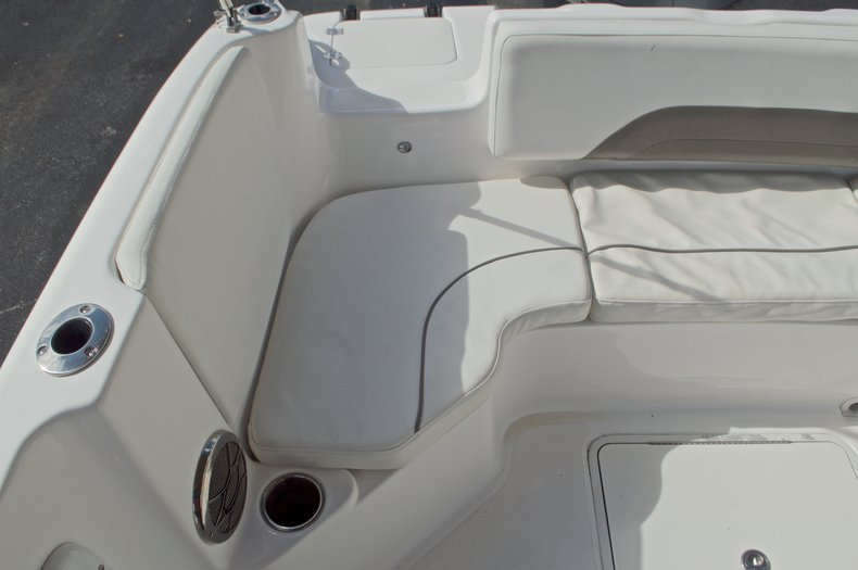 Thumbnail 13 for Used 2014 Hurricane Sundeck Sport SS 231 OB boat for sale in West Palm Beach, FL