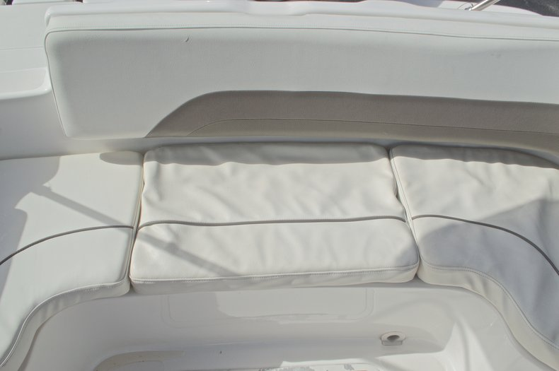 Thumbnail 15 for Used 2014 Hurricane Sundeck Sport SS 231 OB boat for sale in West Palm Beach, FL