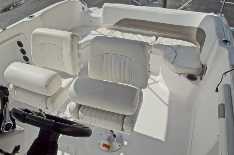 Thumbnail 27 for Used 2014 Hurricane Sundeck Sport SS 231 OB boat for sale in West Palm Beach, FL
