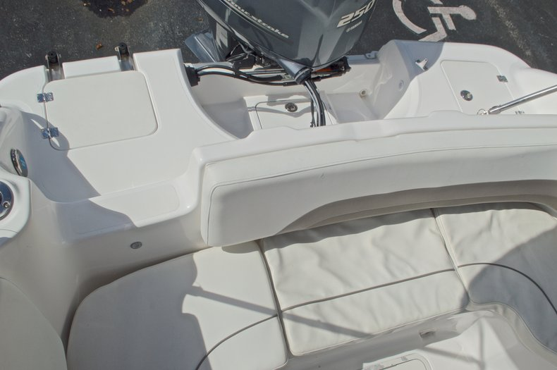 Thumbnail 19 for Used 2014 Hurricane Sundeck Sport SS 231 OB boat for sale in West Palm Beach, FL