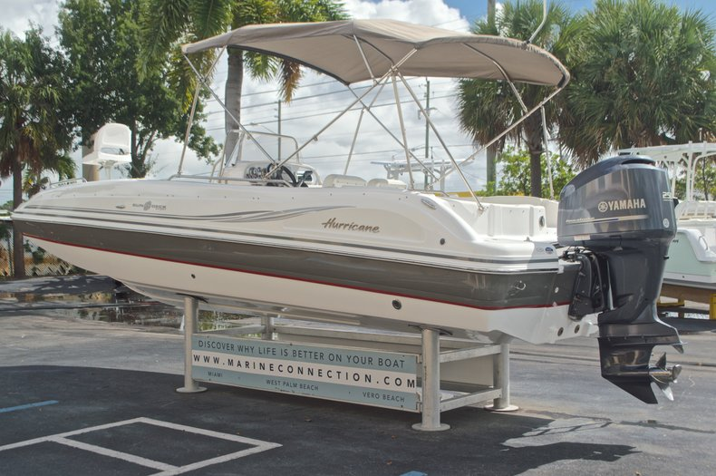 Thumbnail 5 for Used 2014 Hurricane Sundeck Sport SS 231 OB boat for sale in West Palm Beach, FL