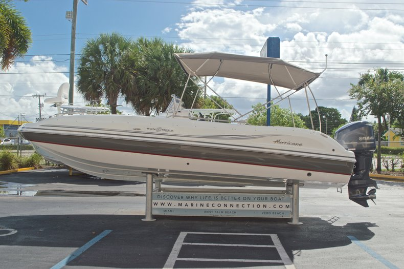 Thumbnail 4 for Used 2014 Hurricane Sundeck Sport SS 231 OB boat for sale in West Palm Beach, FL