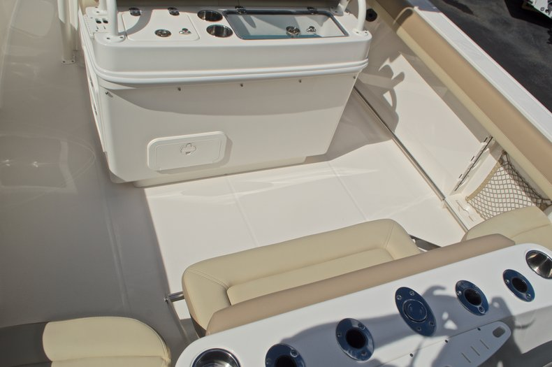Thumbnail 9 for New 2017 Sailfish 270 CC Center Console boat for sale in West Palm Beach, FL