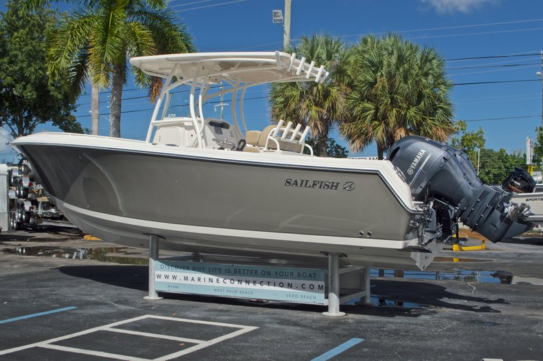 Thumbnail 5 for New 2017 Sailfish 270 CC Center Console boat for sale in West Palm Beach, FL