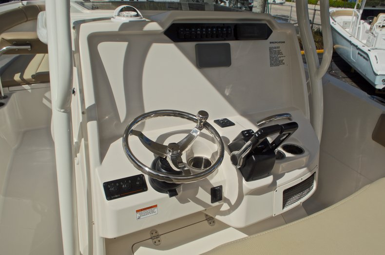Thumbnail 26 for New 2017 Sailfish 270 CC Center Console boat for sale in West Palm Beach, FL