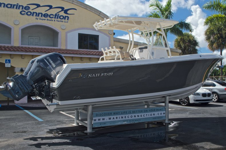 Thumbnail 7 for New 2017 Sailfish 270 CC Center Console boat for sale in West Palm Beach, FL