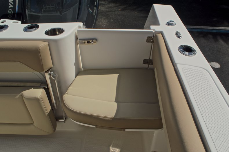 Thumbnail 37 for New 2017 Sailfish 270 CC Center Console boat for sale in West Palm Beach, FL