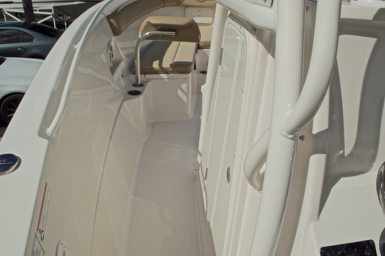 Thumbnail 43 for New 2017 Sailfish 270 CC Center Console boat for sale in West Palm Beach, FL