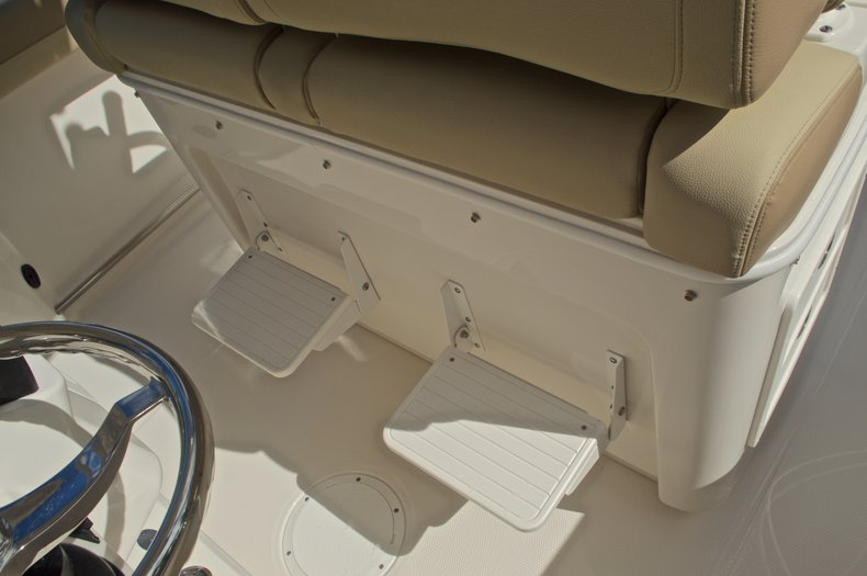 Thumbnail 52 for New 2017 Sailfish 270 CC Center Console boat for sale in West Palm Beach, FL