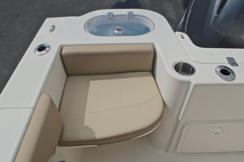 Thumbnail 11 for New 2017 Sailfish 220 CC Center Console boat for sale in West Palm Beach, FL