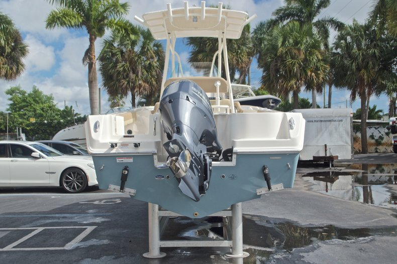 Thumbnail 6 for New 2017 Sailfish 220 CC Center Console boat for sale in West Palm Beach, FL